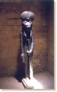karnak-sekhmet-300ds